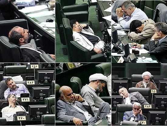 انتشار عکس خوابیدن نمایندههای مجلس در فیس بوک!