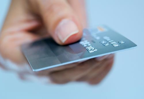 کارت های اعتباری برنزی نقره ای و طلایی در راه است کارتهای اعتباری ۵۰ میلیونی؛ خرید آنی، پرداخت قسطی   سیتنا