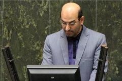 یک نمایندهی مجلس: باید آقای روحانی پیرامون تاخیر در اجرای مصوبهی شورای عالی امنیت ملی برای قطع اینترنت پاسخگو باشد