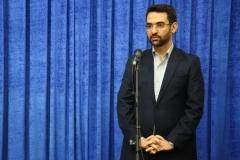 آذری جهرمی: نباید مسیر ولی نعمت های خود را فراموش کنیم