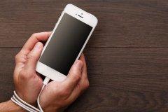 نوموفوبیا، ترس عدم امکان استفاده از تلفن همراه!