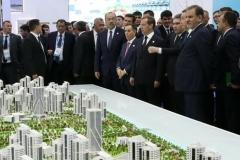 بازدید دکتر جهانگیری از نمایشگاه فناوریهای نوین مجمع اقتصادی خزر