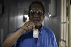 سنگاپور با گردنبند بلوتوثی ویروس کرونا را ردیابی میکند
