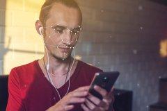 دارندگان آیفون 8 قادرند با نگاه به گوشی پیامها را بیصدا کنند