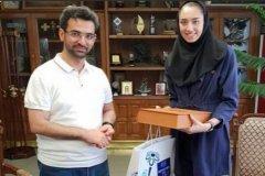 فیلم/ وزیر جوان در واکنش به انتشار عکسش با کیمیا علیزاده: روزهای تعطیل با همین تیپ بین مردم میروم