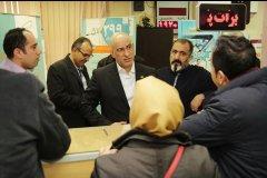 مدیرعامل شرکت مخابرات ایران ضمن عذرخواهی با کارمند خاطی برخورد کرد