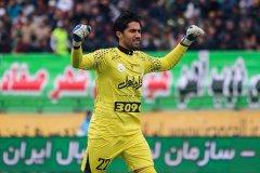 حسینی با استقلال سه ساله تمدید کرد
