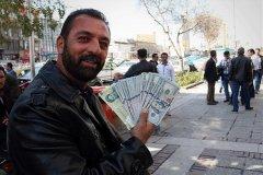 حالوهوای فردوسی بعد از ابلاغ بسته ارزی/هجوم دلار و سکهفروشان به بازار و دور تازه سقوط قیمت