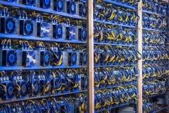دولت مانع ارزان فروشی برق به مزارع بیتکوین شود/ استخراج بیتکوین مشکل جدیدی در حوزه مصرف برق به شمار میآید