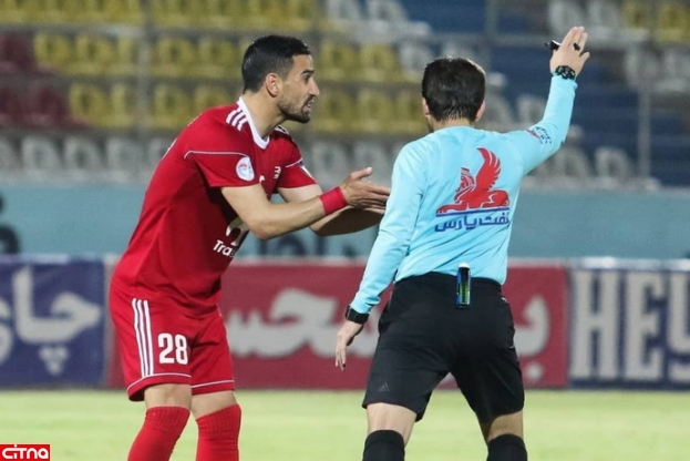 حاجصفی: لیگ را با دو جام برگزار کنند، یکی برای تیم مدنظر، یکی برای بقیه!