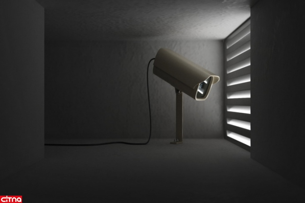 احسان مخفیانه از داخل خانهها فیلمبرداری میکرد