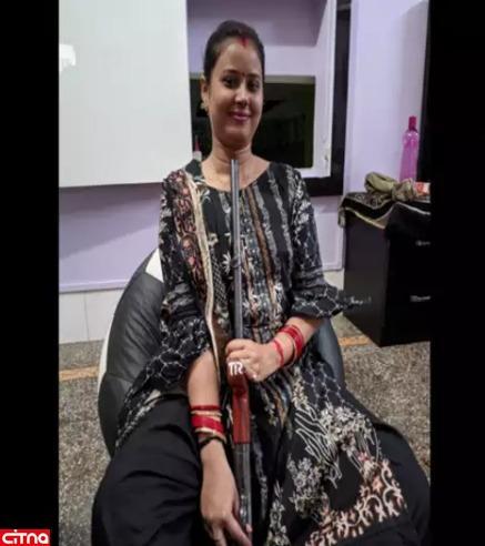 دختر هندی هنگام گرفتن سلفی با اسلحه به خودش شلیک کرد(+عکس)