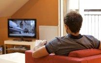 """تماشای طولانیمدت تلویزیون باعث ابتلا به بیماری """"زوال عقل"""" میشود؛ تاثیر منفی تماشای تلویزیون از اینترنت گردی بیشتر است"""