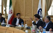 ارایهی سیمکارت اپراتورهای عراقی به زائران ایرانی اربعین هنگام صدور روادید