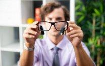 عینکی که با کامپیوتر ارتباط برقرار میکند