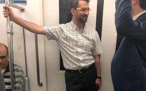 عکس یهویی از حضور آذری جهرمی در مترو