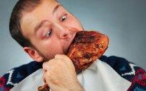 غذا خوردن قبل از خواب موجب اضافه وزن می شود