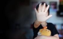 جزئیات انتشار کلیپ وادار کردن کودک به مصرف مشروبات الکلی
