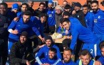 تبریک بازیکنان استقلال به شفر