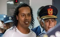 تفریح جالب رونالدینیو در زندان
