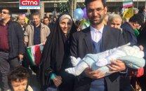 وزیر ارتباطات به همراه خانواده در راهپیمایی 22 بهمن حضور یافت