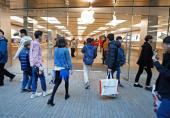 راهاندازی اولین فروشگاه خردهفروشی اپل در حیات خلوت سامسونگ