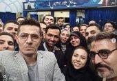 سلفی وزیر ارتباطات با گوشی ایرانی شاهین۲