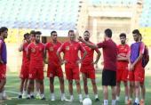 تیغ سرخ زیر گلوی تیم گلمحمدی