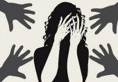 آزار گروهی دختر 14 ساله در مقابل پدرش!
